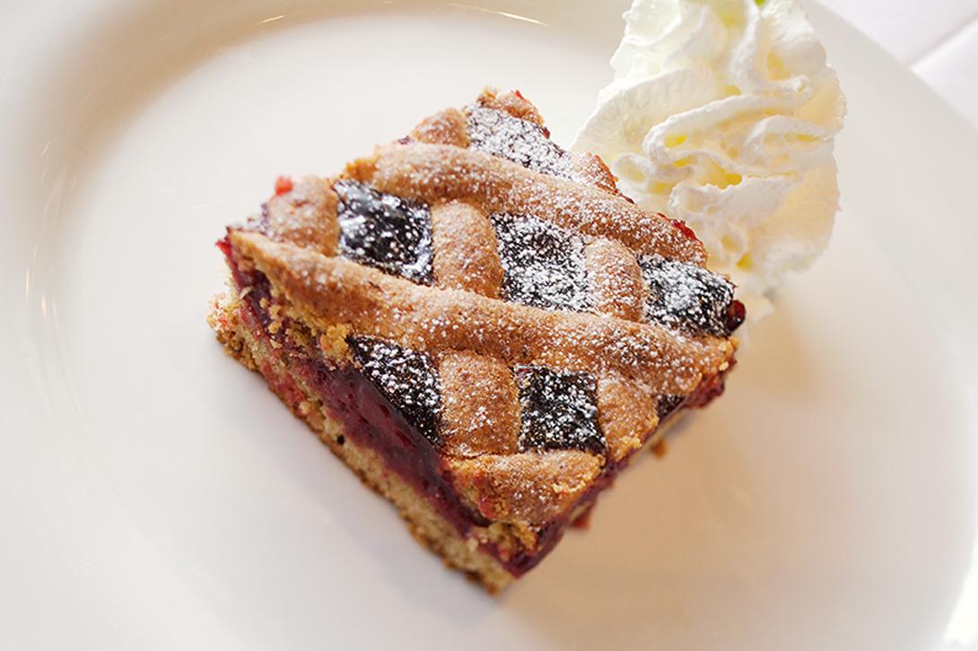 Linzertorte cake