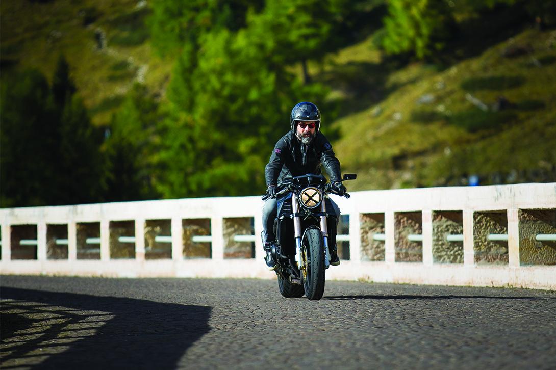 Motorradfahren im den Dolomiten